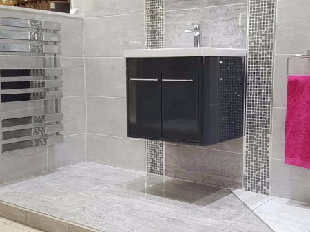 CHILTERN LIGHT AND DARK GREY WITH CHILTERN MOSAIC DISPLAY (4)